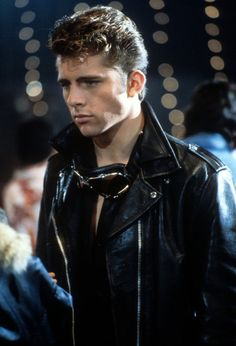 Maxwell Caulfield. - - - He's very pretty, but he couldn't act if his life depended on it.