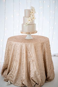 72 90 120 Champagne Blush and Chevron Round Tablecloths by Jessmy