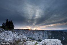 Coucher de soleil sur le Creux-du-Van Grand Canyon, Vans, Mountains, Nature, Travel, Outdoor, Sun, Outdoors, Naturaleza