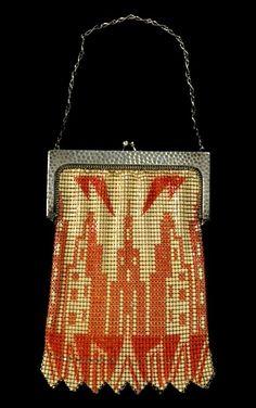 Skyscraper motif purse, circa 1930. (The Wolfsonian–Florida International University, Miami Beach, Florida, The Mitchell Wolfson, Jr. Collection)