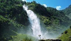 Ungebändigte Kraft der Natur - der Partschinser Wasserfall.