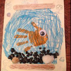 aquarium dessinée avec poisson main