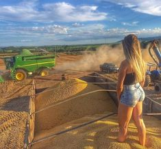 Image may contain: one or more people, sky, cloud, shorts, mountain and outdoor Foto Cowgirl, Sexy Cowgirl, Cute Country Girl, Country Women, Agriculture Photos, Rodeo Girls, Pernas Sexy, Farm Photography, Western Girl