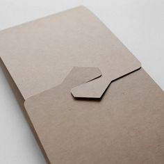 アワジムスビ / 御祝儀袋 セット ご祝儀袋・袱紗(ふくさ) カクヌキミズヒキ 通販|Creema(クリーマ) ハンドメイド・手作り・クラフト作品の販売サイト Creema, Paper Art, Origami, Arts And Crafts, Packaging, Awesome, Papercraft, Gift Crafts, Paper Folding
