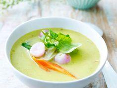 Romige soep van jonge sla en lentegroen (Libelle Lekker!)