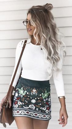 Corduroy Botanical Skirt #Corduroy #Botanical #Embroidery #brunchoutfit #fallfashion #fallfashion2017 #ootd #streetstyle #fallfashion2017 #skirt #fallskirt