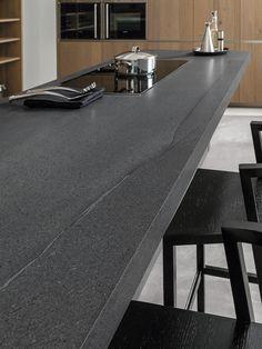 XLIGHT Premium AGED Dark - #URBATEK #GAMADECOR #PORCELANOSA - Gres porcelánico de fino espesor - Porcelain Stone Tile, Marble Floor Tile - #precious #stones #porcelain #tile #porcelaintiles  #ceramics #design #architecture #minimalism #inspiration #decor #kitchen #interior #grey #countertop #encimera