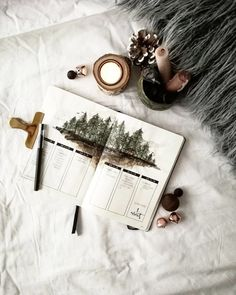 When bullet journaling meets art 😍🌲 weekly spread is UNREAL! Is your all set up for the new year? 🤗📚 When bullet journaling meets art 😍🌲 weekly spread is UNREAL! Is your all set up for the new year? Bullet Journal Banners, Bullet Journal Page, Bullet Journal Notebook, Bullet Journal Themes, Bullet Journal Spread, Bullet Journal Inspiration, Journal Diary, Journal Ideas, Bullet Journel
