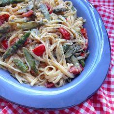 Greenway36: Pasta mit gebratenem grünen Spargel, Kirschtomaten und Sahne-Ei-Parmesan-Sauce