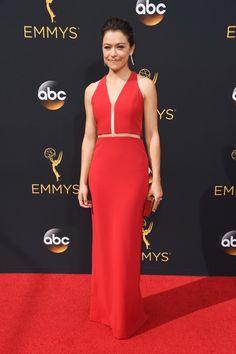 Voici ce que les stars ont porté à la cérémonie des Emmy Awards 2016 Tatiana Maslany