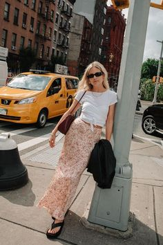 "17 Ways Our Readers Are Wearing Summer's ""Ugly"" Shoe Trend Fashion Me Now, Womens Fashion, Sandals Outfit Summer, 90s Inspired Outfits, Birkenstock Style, Chunky Sandals, Ugly Shoes, Sporty Style, Beautiful Outfits"