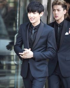 Our handsome boys Chanyeol and Sehun. #ParkChanyeol #LordSehun