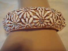 Joan Rivers White Enamel Daisy and Crystal Hinged Bangle AVERAGE NWT QVC #JoanRivers #Bangle