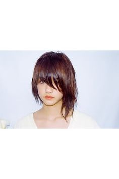 really really want an asymmetrical cut. PLEASE HELP ME! The Fringe in this pic is a bit long, but I love the texture on her longer side.The Fringe in this pic is a bit long, but I love the texture on her longer side. Cut My Hair, Love Hair, Great Hair, New Hair, Blonde Pixie, Pretty Hairstyles, Bob Hairstyles, Hairstyle Ideas, Medium Hair Styles