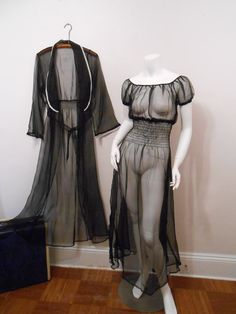 1930s Hollywood Gothic Boudoir Set, $62 | 20 Vintage Boudoir Fashions You Need Now