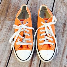 Orange Low Top WOMANS Converse Worn a couple of times but still in great condition! Ships Immediately! Converse Shoes Sneakers