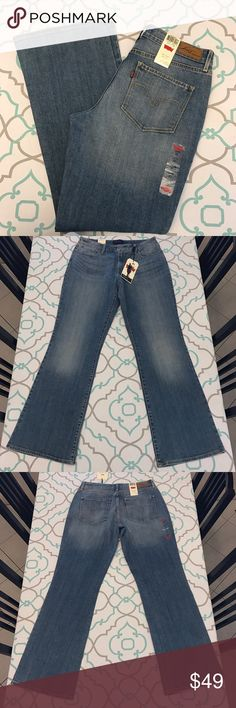 """NWT💙👖Beautiful Levi's Jeans👖💙32 13/14 32"""" New! New! 💙👖Beautiful Levi's Jeans👖💙 New With Tags! Size 14/32 (13/14). 31.75"""" Inseam. 9.75"""" Across Back. Awesome Stretch. Beautiful Medium Blue Wash. Light/Medium Fading. Bold Curve. Classic Boot Cut. Levi's! Ask me any questions! : ) Levi's Jeans Boot Cut"""