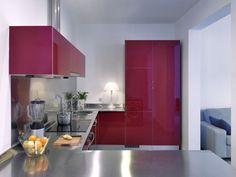 piso-cocina-encimera-acero-inoxsidable-rojo