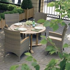 Oxford Garden Torbay All Weather Wicker Round Dining Set Seats 4 By Oxford
