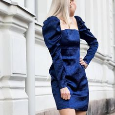 Anna Valkia highlights her favorite puff-sleeve mini dress from Big Shoulders, H&m Shoes, Trending Today, Mini Dress With Sleeves, Small Waist, 80s Fashion, Fashion Stylist, Topshop, Feminine