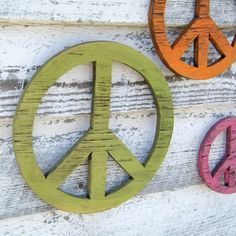 Wooden Peace Symbols Give Peace a Chance Set of by SlippinSouthern