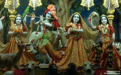To view Radha Gopinath Lalita Vishakha Wallpaper of ISKCON Chowpatty in difference sizes visit - http://harekrishnawallpapers.com/sri-sri-radha-gopinath-lalita-vishakha-wallpaper-015/