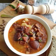 Soup Recipes, Cooking Recipes, Cheeseburger Chowder, Chili, Curry, Pork, Food And Drink, Yummy Food, Beef