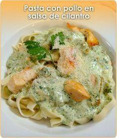 Pasta con pollo y cilantrillo Pasta Recipes, Chicken Recipes, Cooking Recipes, Healthy Recipes, Real Mexican Food, Mexican Food Recipes, Pasta Pollo, Deli Food, Spaghetti