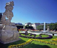 ユーラシア旅行社で行くオーストリアツアーのミラベル庭園