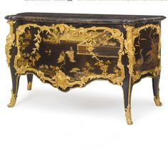A Highly Important Louis XV ormolu-mounted Japanese lacquer and ebonized commode, attributed to Bernard II Vanrisamburgh circa 1750 Vendido 3,442,500 USD