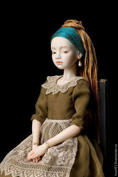 "handmade porcelain doll jointed ""Girl with a Pearl Earring."" Handmade handmade porcelain doll jointed ""Girl with a Pearl Earring. Clay Dolls, Bjd Dolls, Doll Toys, Barbie Doll, Pretty Dolls, Beautiful Dolls, Ball Jointed Dolls, Enchanted Doll, Paperclay"