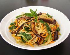 Espaguete com verduras | Gastrolândia – por Ailin Aleixo