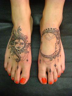 Beauty and Popular Foot Tattoos For Women foot tattoos for women; foot tattoos for girls; foot tattoos for women; foot tattoos for girls; foot tattoos for moms; foot tattoos for best friends Henna Pie, Tatoo Henna, I Tattoo, Mandala Foot Tattoo, Body Art Tattoos, New Tattoos, Girl Tattoos, Moon Tattoos, Tatoos