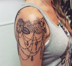 Afbeeldingsresultaat voor lace shoulder tattoo