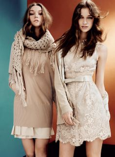 SCEE by TWIN-SET: Long-sleeved dress in wool mixture, crepe viscose dress and crocheted shawl with fringe. Long cardigan with rhombus pattern, lace insert at the bottom and sleeveless lace dress