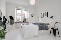 bedroom, blck&whte