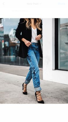 I have a thing for embroidered jeans ✨ @liketoknow.it http://liketk.it/2pFj1 #liketkit