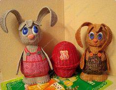 Поделка изделие Пасха Плетение У всех курочки а у нас яйцо  Бумага газетная Трубочки бумажные фото 1