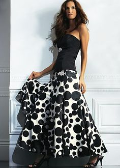 Bustier, circle printed skirt - I want this skirt so bad - so surprisingly fun for a formal event..must.have.it.