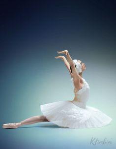 Ballet Dance, Ballet Skirt, Famous Dancers, History Images, Queen Maxima, Queen Elizabeth Ii, One Shoulder Wedding Dress, Royalty, Wedding Dresses