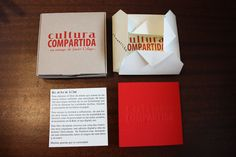 "Caja, sobre, presentación y libro ""Cultura Compartida"" de Javier Celaya Container, Books, Artist's Book, Objects, Culture, Crates, Libros, Artists, Book"