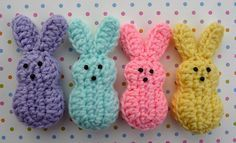 Crochet Bunnies ~ free pattern. These would be cute as a garland or napkin rings