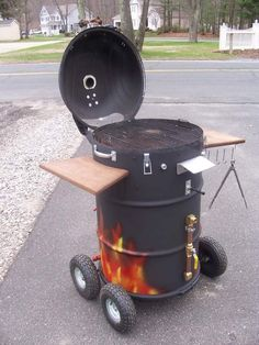 Build An Ugly Drum Smoker! – DIY projects for everyone! Barrel Smoker, Barrel Grill, Oil Barrel, Garage Furniture, Barrel Furniture, Outdoor Oven, Outdoor Cooking, Grill Diy, Oil Drum Bbq