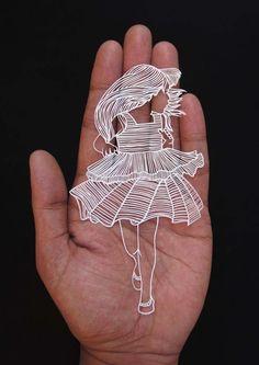 Parth Kothekar é um artista de Ahmedabad, na Índia, que chama atenção por conta de um trabalho curioso. Ele utiliza-se de técnicas de recorte de papel.