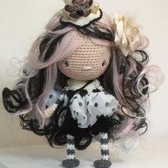 Hey hey ...  ... Sweet night  no pattern #crochetaddict #littleinspiringsoul #woolbyme #dollstagram #crocheters #crochetdolls #dolls #ooak #artdolls #cottondolls #handwork #handmade
