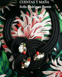 Collar nudo... de cordón perlas y cuentas de cristal #cuentasymaña #handmade