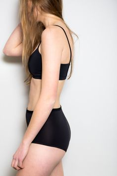 The perfect super soft highwaisted bottoms from Land of Women - PARC