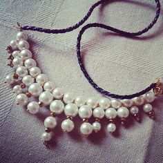 Pearl Statement Nacklace with Leather Lederband - perlen Statement Kette