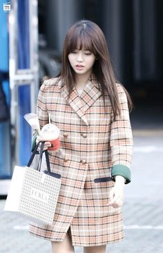 Kim So Hyun smartphone wallpaper HD