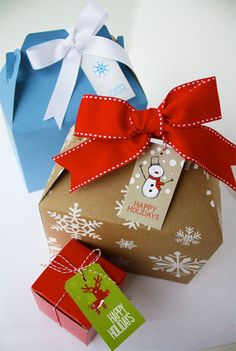 Cute Christmas boxes, tags, and bows